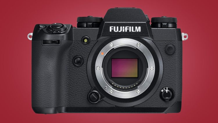 Fujifilm X-T4 svelata