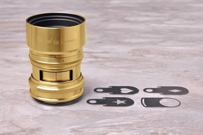 Il nuovo Petzval 80.5 mm f/1.9 MKII ha una massima apertura di f/1.9