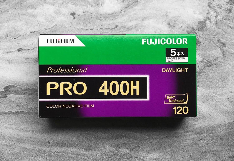 Fujifilm interrompe la produzione della pellicola Pro 400H nei formati 35mm e 120
