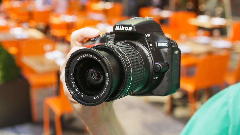 Nikon D3500 D5600 fuori produzione